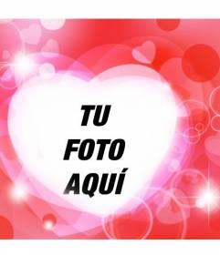 Marco romántico en forma de corazón con destellos brillantes y fondo rojo para poner tu foto