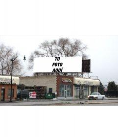 Tu fotografia plasmada en una valla publicitaria en un paisaje invernal real