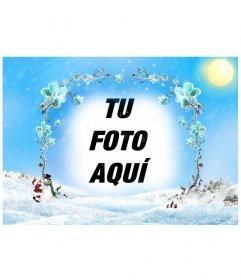 Plantilla/marco para fotos de de un paisaje nevado con un marco de ramas de flores heladas en el que insertar una fotografía, especial para estas navidades