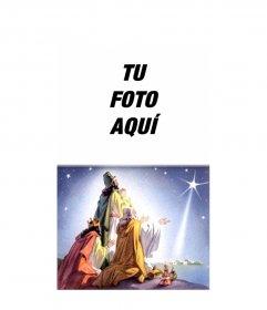 Tarjeta navideña de los tres reyes magos de Oriente con sus ofrendas llegando a Belén