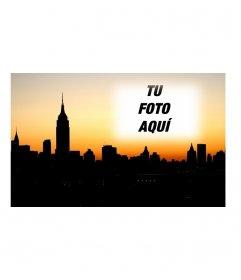 Postal para poner tu foto con la ciudad de New York de fondo. Sube una fotografía y crea la tarjeta y envíala desde la misma página