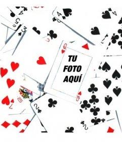 Fotomontaje formado por un montón de cartas de poker desordenadas vueltas hacia arriba, con una Q de corazones en el centro de la imagen. Dentro de dicha carta podemos insertar una fotografía