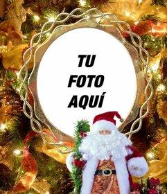Pon tu foto en un árbol de Navidad junto a Santa Claus