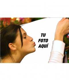 Fotomontaje de una chica dando un beso