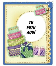 Tarjeta de cumpleaños con tarta y regalos efecto pegatina para poner la foto y la frase de felicitación que prefieras