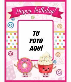 Postal de cumpleaños personalizable decorada con dibujos kawaii rosas y pasteles con cara sonriente