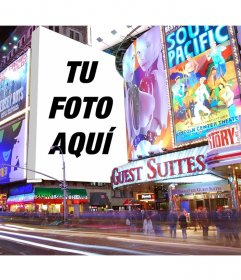 Fotomontaje con los carteles de Times Square