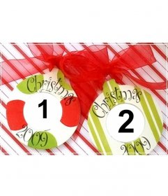 Postal de navidad para hacer online con 2 bolas de navidad y adornos