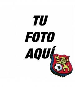 Escudo del Caracas Fútbol Club en una esquina de tu foto gratis