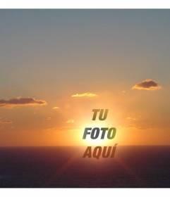 Fotomontaje en forma de collage para poner una cara o recorte centrado en el punto en que se pone el sol, en un paisaje de costa