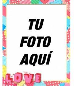 Marco para fotos con retales de corazones y la palabra love