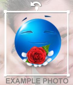 Emoticono azul ofreciendo una rosa para poner en tus fotos