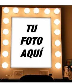 Fotomontaje de un espejo con luces y maquillaje para subir tu foto