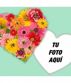 Corazón hecho de flores para decorar tus fotos con este montaje