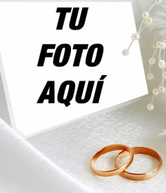 Fotomontaje con dos anillos de boda para subir una foto