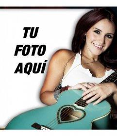 Sube tu foto junto con Dulce María y comparte este montaje online