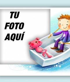 Tierna tarjeta de un niño y un osito para editar con tu foto
