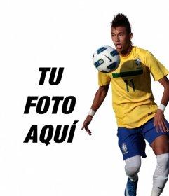 Fotomontaje donde podrás poner una foto junto a Neymar Junior con la camiseta de Brasil
