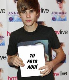 Fotomontaje para salir en la portada del libro de Justin Bieber sujetado por Justin con el pelo largo