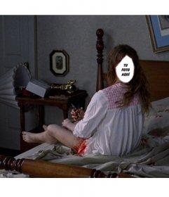 Fotomontaje para ser la niña del exorcista en una escena de la película de miedo en la que gira por completo su cabeza encima de su cama