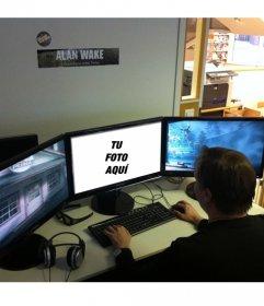 Fotomontaje con un jugador de videojuegos y tu foto en el ordenador al lado de otras dos pantallas