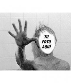 Fotomontaje en la ducha de Psicosis, la película de Hitchcock