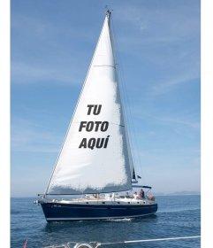 Fotomontaje con un velero en el mar para poner tu foto en la vela y una frase con el texto que quieras
