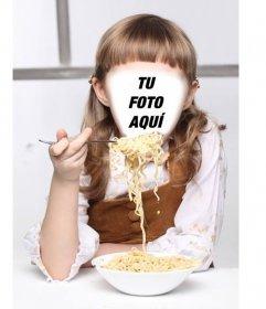 Fotomontaje de una niña con comiendo un plato de spaghetti