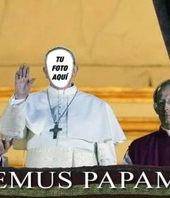 Fotomontaje del papa para poner tu cara y con la frase Habemus Papam