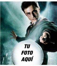 Fotomontaje de Harry Potter con una bola de cristal