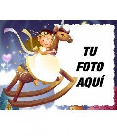 Marco para fotos infantil, caballito de madera en el que está subido una princesita