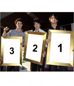Fotomontaje de Kevin, Joe y Nick de los Jonas Brothers que sostendrán tres fotos que subas