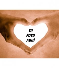 Marco para fotos de manos haciendo la forma de un corazón