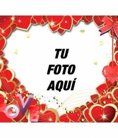 Marco para fotos hecho con corazones rojos y con las letras LOVE para poner una foto