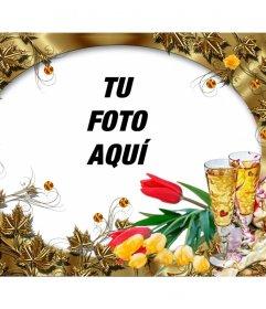 Tarjeta de felicitación con unas flores y dos copas de champán