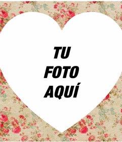 Marco decorativo con flores para añadir tu foto dentro de un corazón