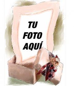 Marco para fotos donde tu imagen aparece saliendo de una caja de regalo dibujada a acuarela