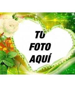 Pon tu foto de fondo con este marco para fotos en forma de corazón acompañado de una rosa amarilla, con un brillante colorido