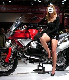 Fotomontaje para ser una mujer modelo junto a una moderna moto