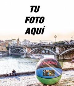 Foto montaje con una pelota de baloncesto en Sevilla