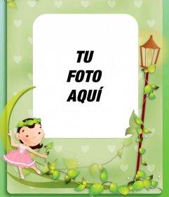 Marco de fotos infantil con una niña y una luna de color verde
