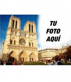 Postal personalizada con una imagen de Notre-Dame
