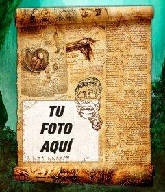 Pergamino misterioso lleno de gravados, escritos y dibujos misteriosos para poner tu fotografía
