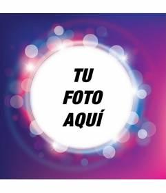 Marco para fotos con destellos de luces morado y lila con forma circular donde colocar tu foto y añadir texto gratis