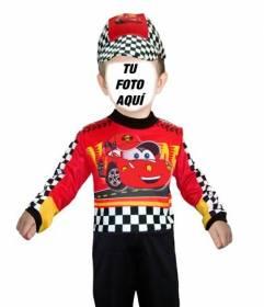 Fotomontaje personalizable de un niño disfrazado de piloto de coches