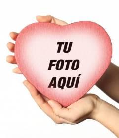 Coloca una foto dentro de una caja con forma de corazón rojo con este efecto