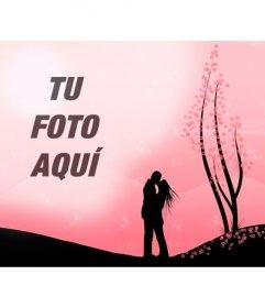 Crea un fotomontaje romántico con esta imagen de una pareja besándose en un paisaje rosa con flores y la imagen que subas online