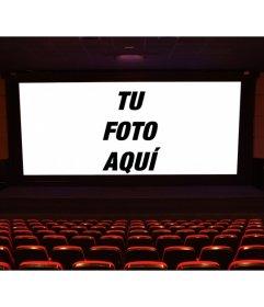 Pon una foto en la pantalla grande de un cine delante del patio de butacas y crea tu propia escena de película