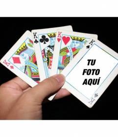 Fotomontaje con cartas de poker donde colocar tu foto dentro de una de las cartas y añadir un texto gratis