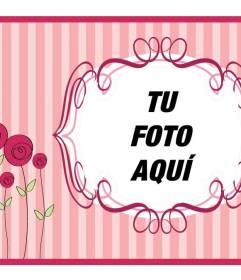 Postal para el día de la madre rosa con flores donde poner su foto y un texto para felicitarla